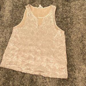 Tops - Gold sleeveless shirt